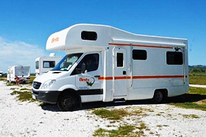 6 Berth - Motorhomes, Campervan Hire or Rental