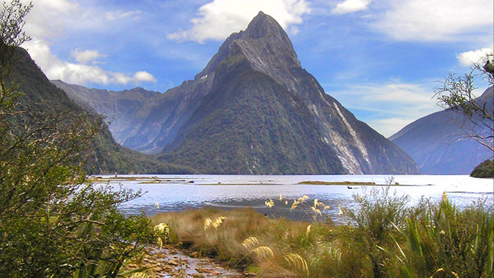 Motorhome Hire NZ - Milford Sound Scenery