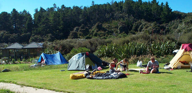 Motor Homes Hire in NZ - Freedom Camping