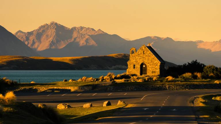 RentACampervan - Lake Tekapo New Zealand