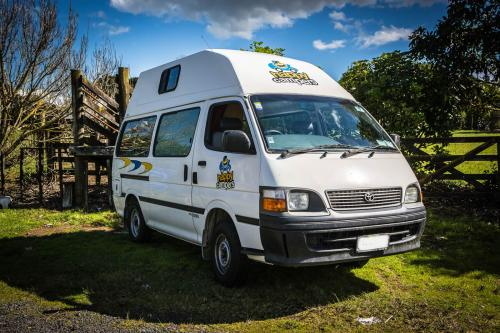 Acacia RentACampervan New Zealand - Happy Campers NZ