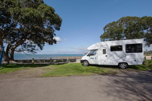RentACampervan New Zealand - Maui Motorhome Rental New Zealand