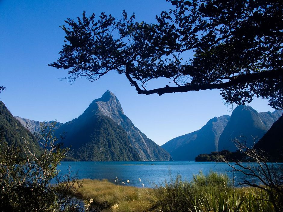 RentACampervan New Zealand - Motorhome Rental Queenstown - Milford Sound