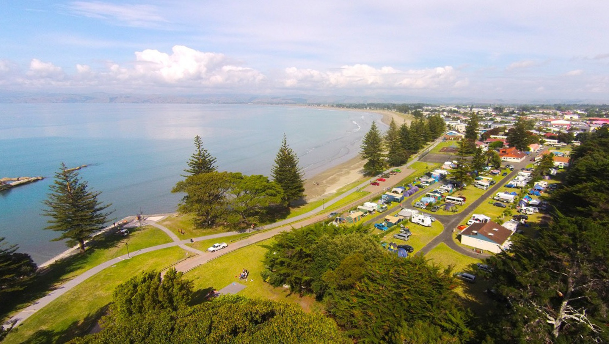 RentACampervan - Waikanae Beach TOP 10 Holiday Park