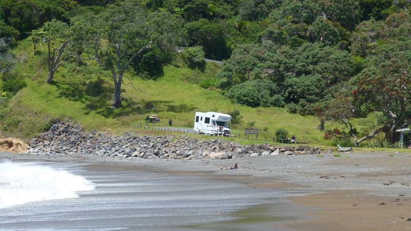 Acacia RentACampervan - Maui Motorhome Rental New Zealand