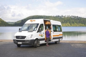 2 Berth Venturer Plus with S/T - Auto (Britz) (3BTS)