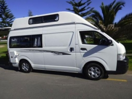 4 Berth Toyota Hiace Hi-top without Shower/Toilet - Auto (Sweet As Campers)