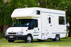 4+1 Berth Path Escape with Shower/Toilet - Manual (Freedom)