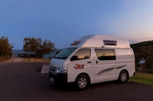 4 berth Endeavour Camper without Shower/Toilet - Auto/Manual (Hippie)