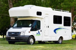 6 Berth Trail Explorer with S/T - Manual (Tui)