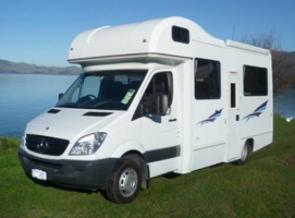 6 Berth Explorer with Shower/Toilet - Auto (RoadRunner)