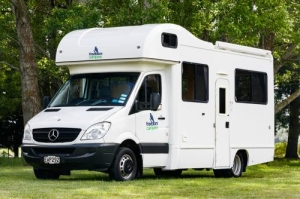 6 Berth Path Explorer with Shower/Toilet - Auto (Freedom)